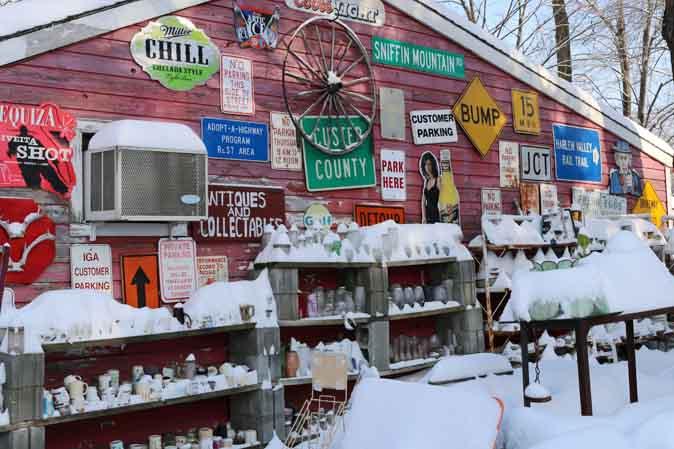 Antique Barn im Schnee oder Vintage-Stil im Winter
