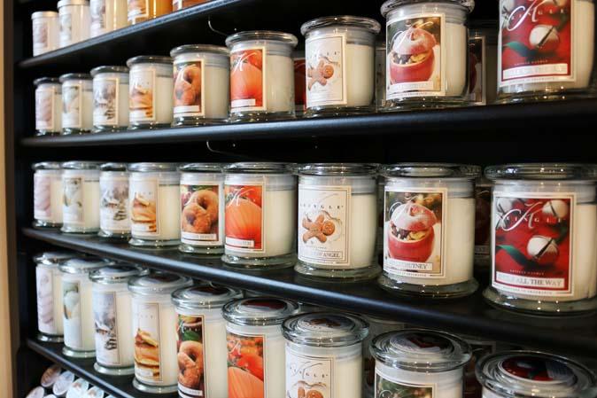 Neue Kringle Candle-Duftkerzen für Herbst und Winter bei American Heritage