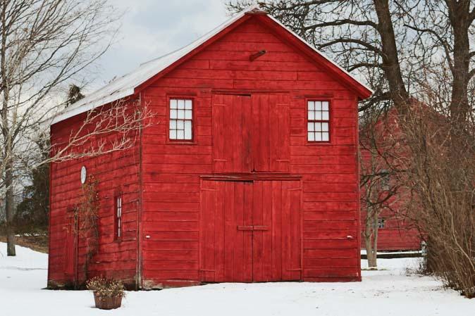 Red Barn im verschneiten Amerika