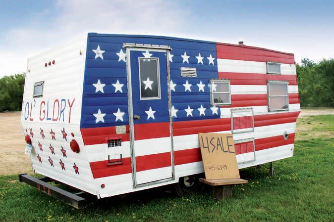 Wohnwagen mit der USA-Flagge
