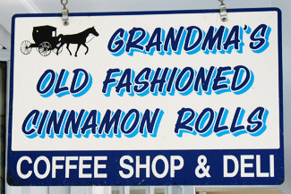 Grandma's Old Fashioned Cinnamon Rolls Schild